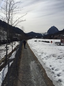 Dem Alp Bach entlang